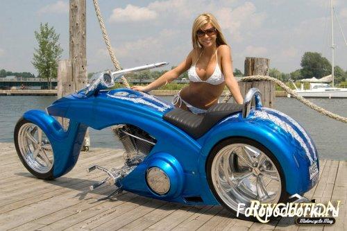 Девушки на мотоциклах  (18 фото)