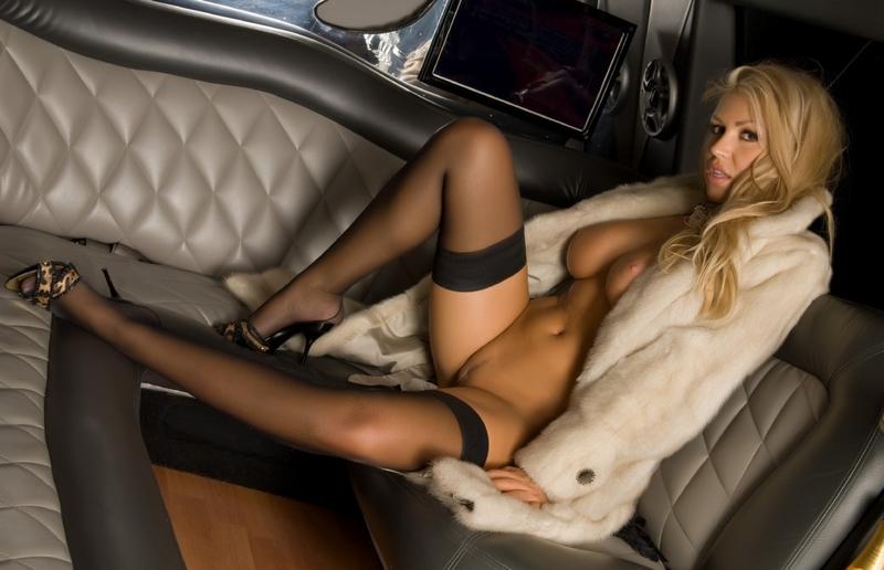 Порно с красоткой в лимузине фото 736-134