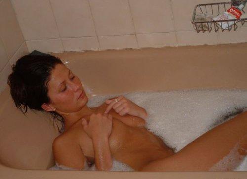 Частные фото - девушки в ванне (20 фото)