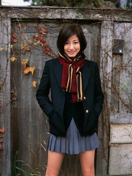 Японские девушки в школьной форме (31 фото)