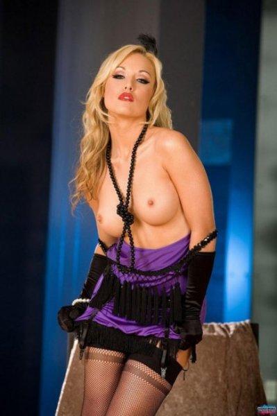 Звезда Playboy'я Kayden Kross (16 фото)