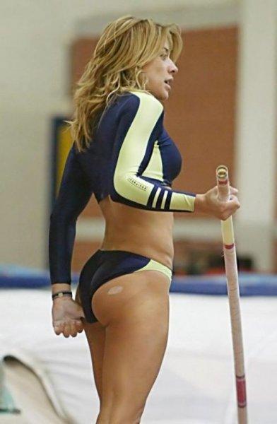 Спортивные девушки в сексуальных шортах (52 фото)