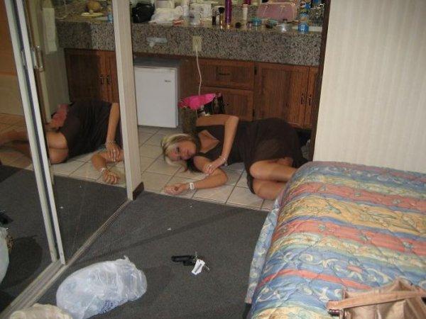 Девушки и алкоголь (13 фото)