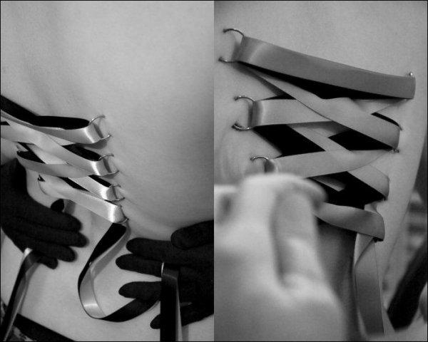 Корсетный пирсинг (13 фото)