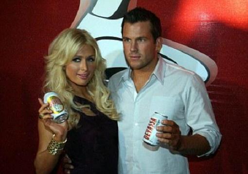Пэрис Хилтон рекламит пиво (3 фото)