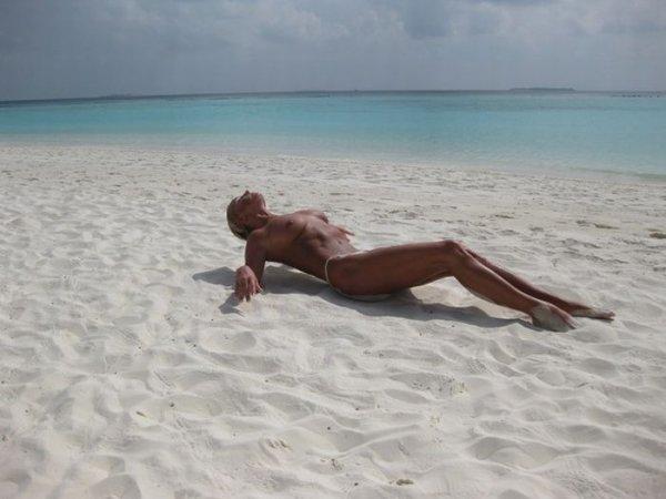Голая Анастасия Волочкова на Мальдивах (21 фото) НЮ