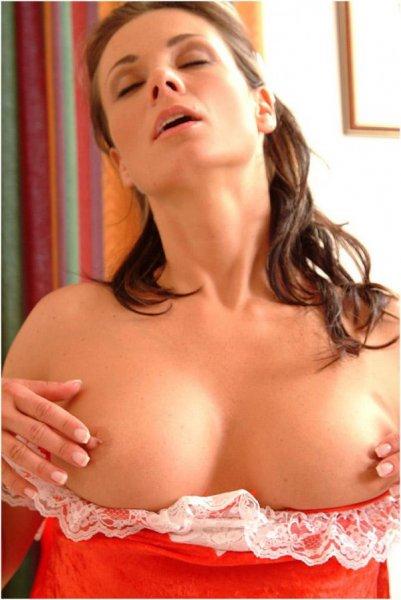 Сексуальная развратная горничная (18 фото)