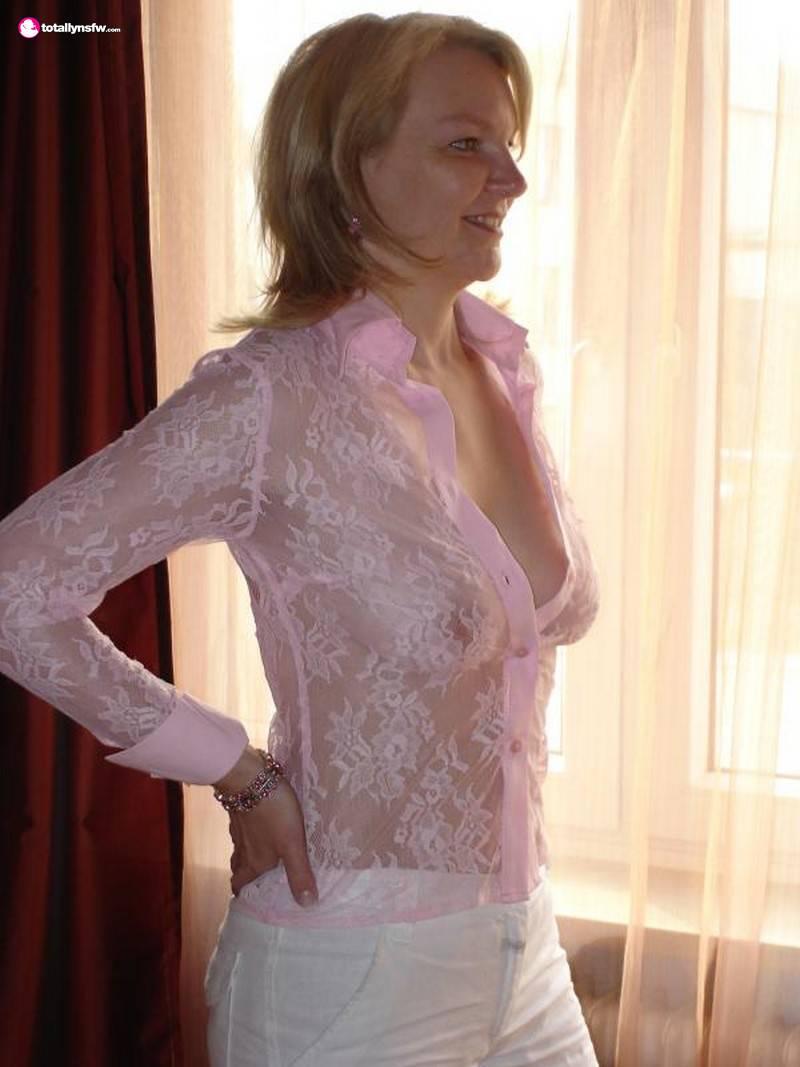 Фото баб в прозрачной одежде 3 фотография
