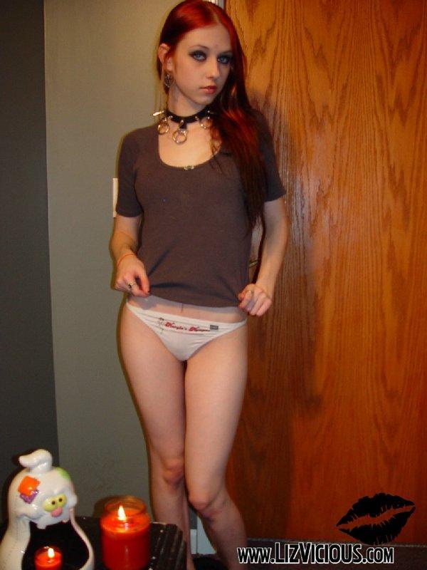Рыжая девушка (16 фото)