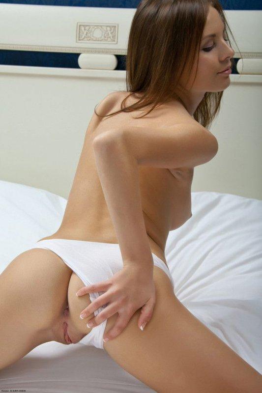 Молоденькие девочки с сочными телами (28 фото)