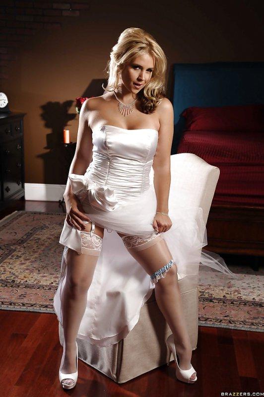 Голая невеста (16 фото)