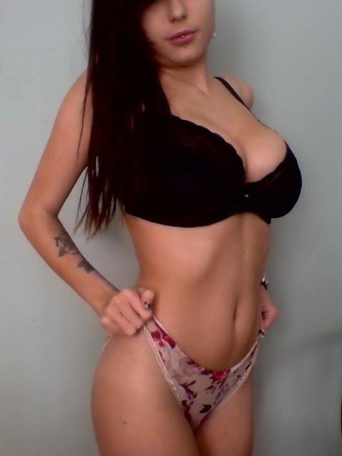 У девушки идеальное тело (8 фото)