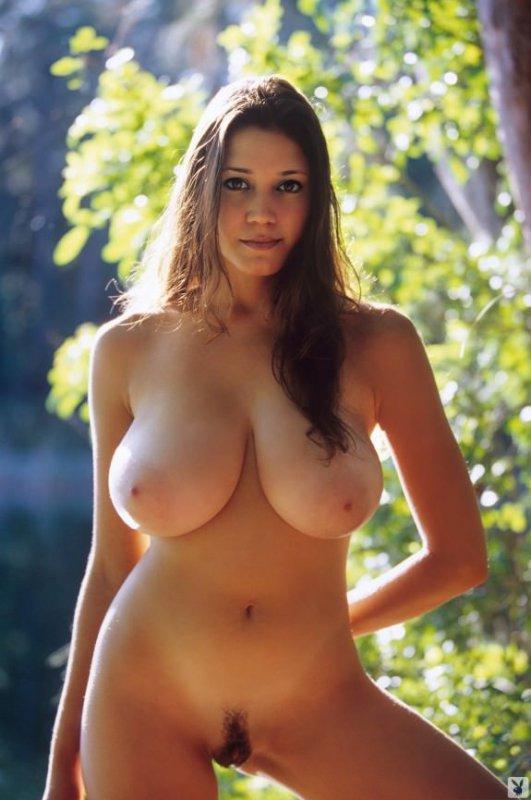 нудистки с большой грудью фото