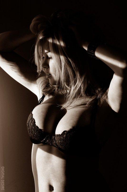 Черно-белые фотографии девушки (19 фото)