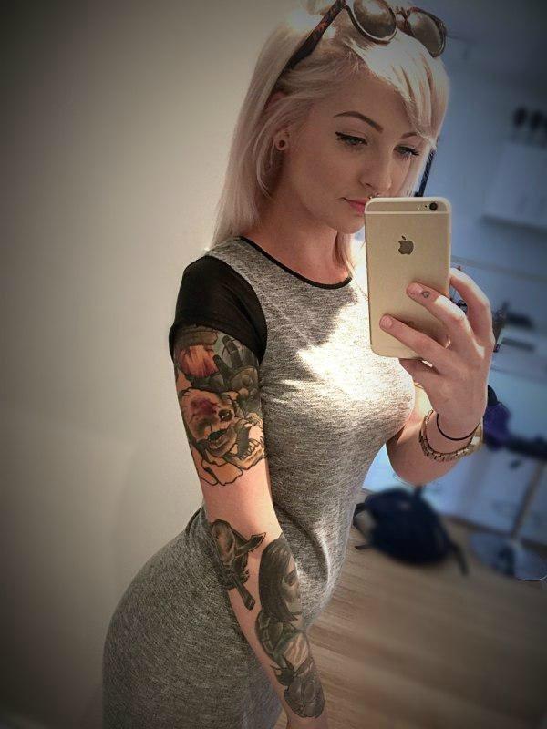 Девушки и татуировки (40 фото)
