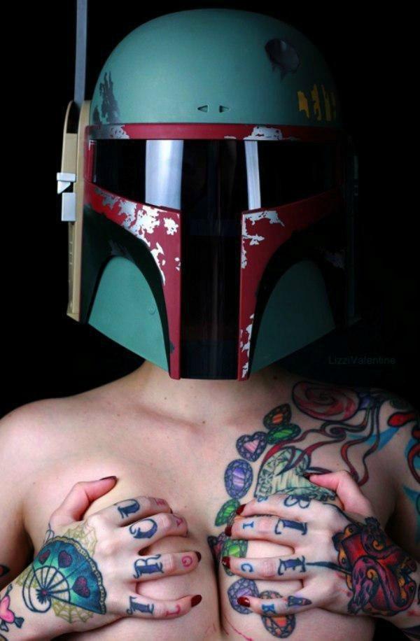 Девушки и татуировки (40 фото): http://fotoreaktor.ru/2991-devushki-i-tatuirovki-40-foto.html