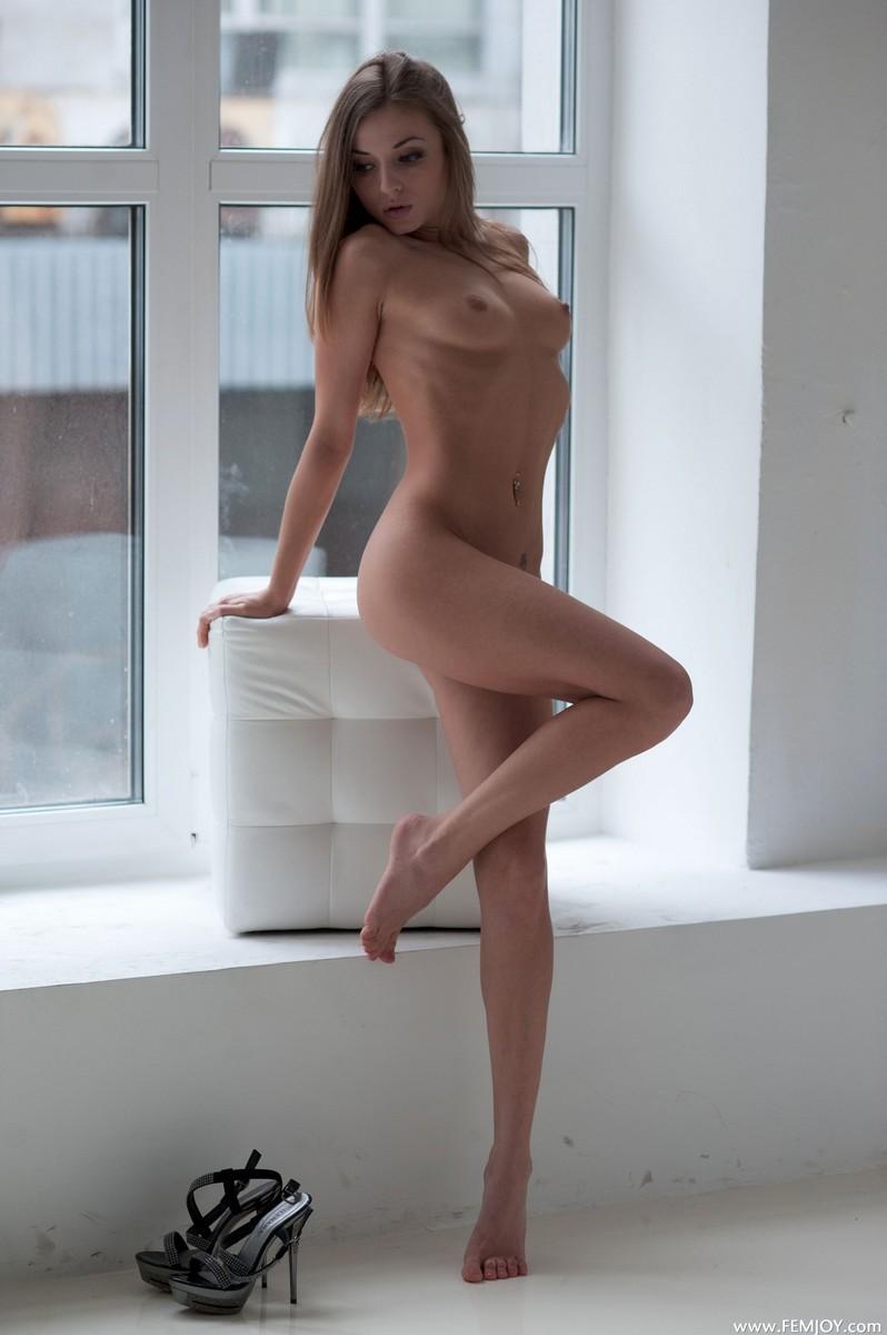 Частные фото голые кавказские девушки
