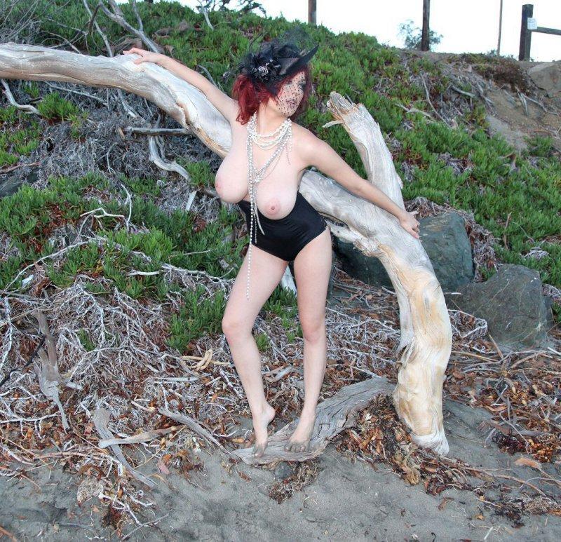 Изящная мадам с большими сиськами (12 фото)