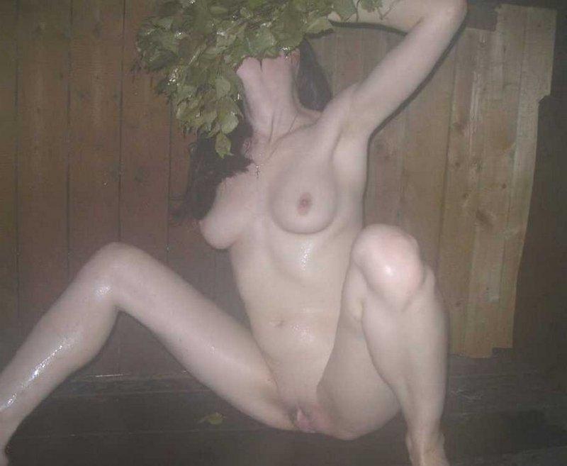 Личные фотографии девушек в бане (19 фото)