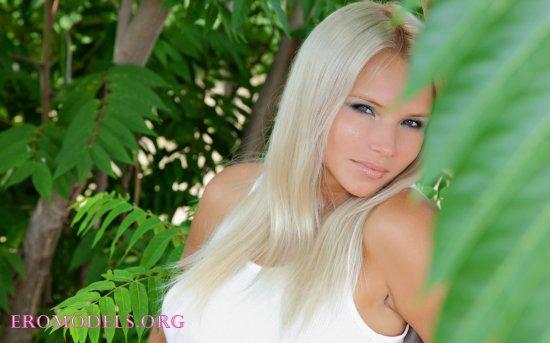 Белокурая стервочка Katerina (20 фото)