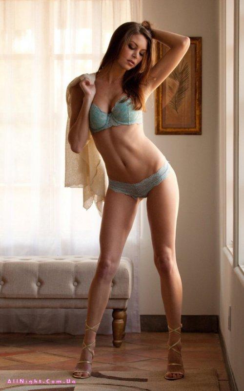 Эротика от голой бесстыдницы Amber Sym (19 фото)