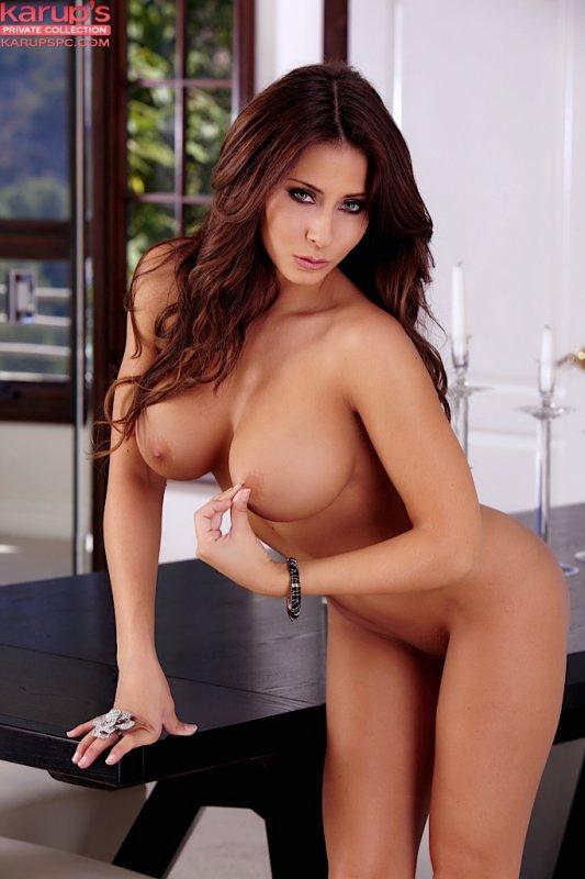 Madison Ivy с потрясным голым телом (15 фото)
