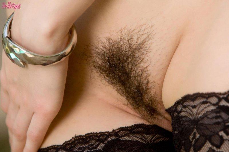 Sasha Grey выставляет вагину на показ (16 фото)