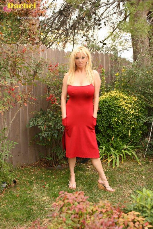 Сисястая зрелая блондинка (16 фото)