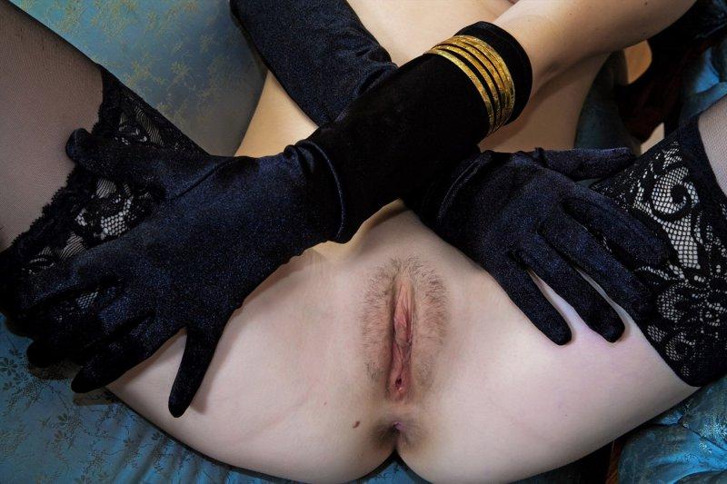 Леди показала свои большие сиськи (10 фото)