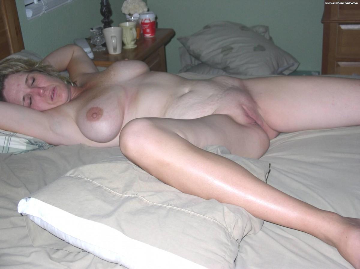 фото спящая пизда в сперме