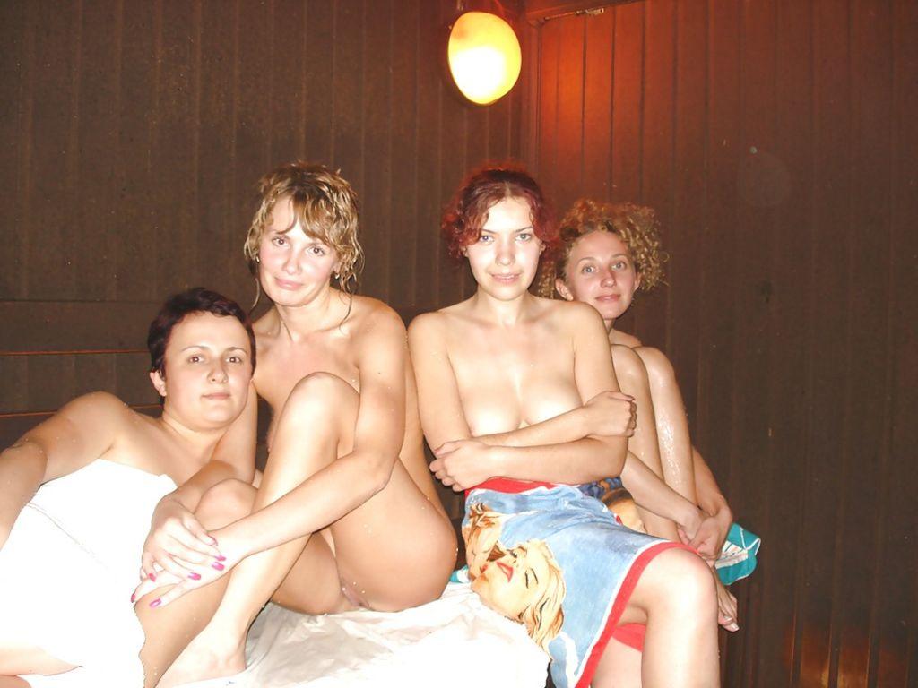 krasivye-golye-zheny-v-bane_14