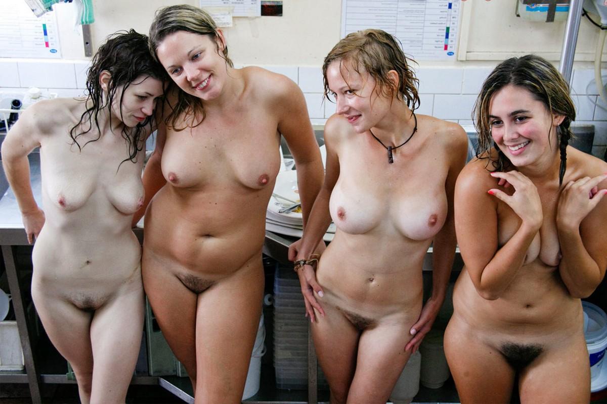 Упругие попки красивых девушек и женщин на фото