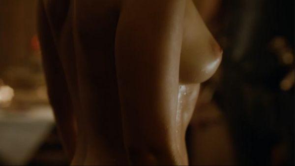 Emilia_Clarke_11