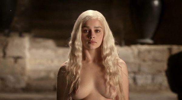 Emilia_Clarke_4