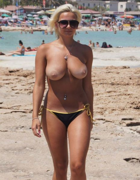 Nude_with_big_tits_11