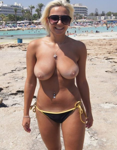 Nude_with_big_tits_5