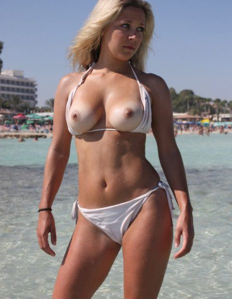 Nudists_with_beautiful_figure_10