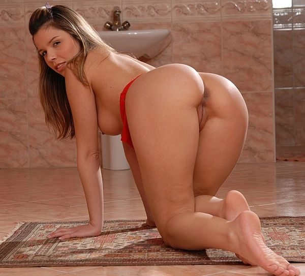 ass_naked_girls_1