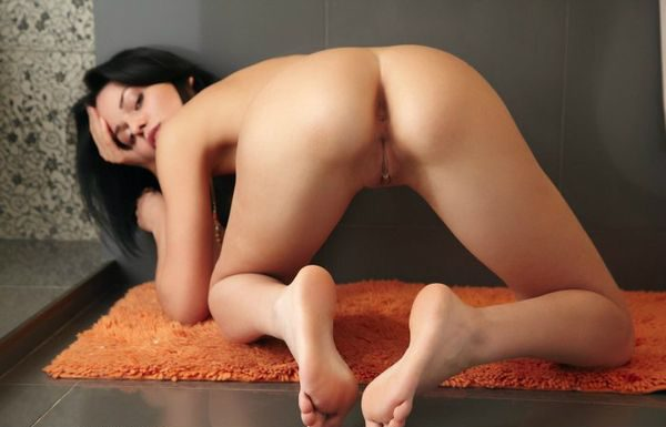 ass_naked_girls_10