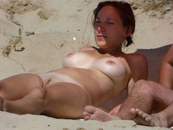 sunbathing_nudists_1
